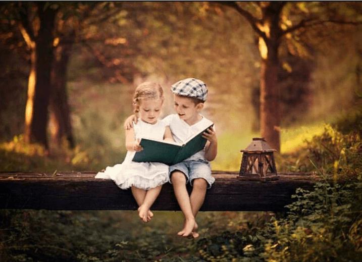 با دختری دوست شو که اهل خواندن باشد